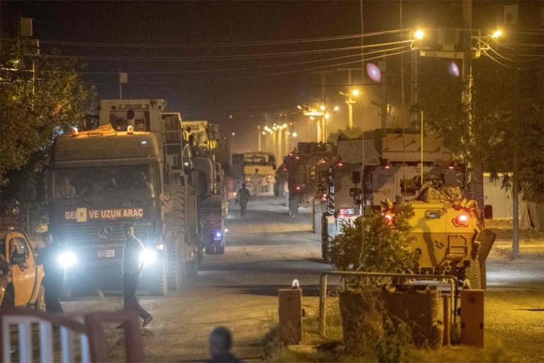 """Turkse troepen hebben grens met Syrië overgestoken, Koerden roepen op tot weerstand op """"kritiek historisch moment"""""""
