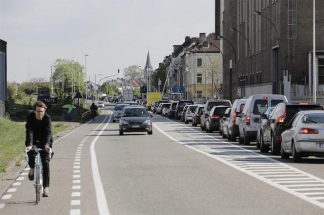 Tram tussen Neuseplein en Dampoort stapje dichterbij