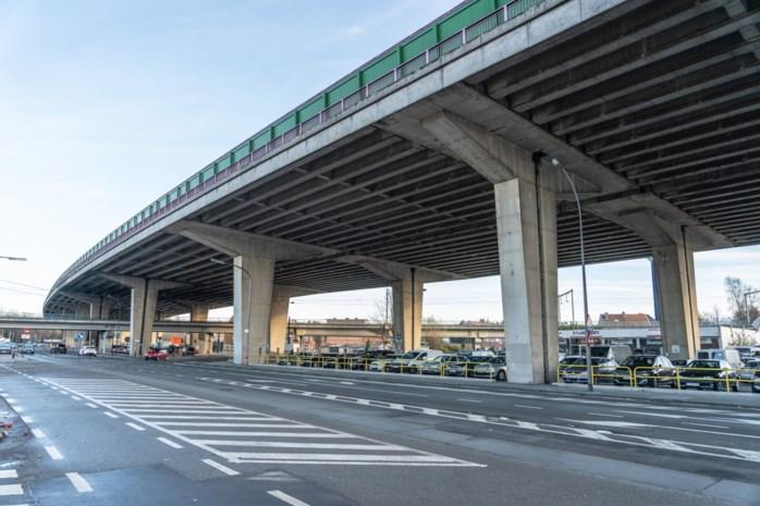 """Actiegroep komt met wel erg drastische oplossing: """"Al die snelwegen splijten de stad als een Berlijnse Muur"""""""