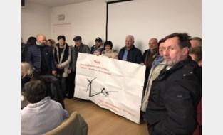"""Actiecomité voerde een jaar lang strijd om windmolens tegen te houden en dan geeft de gemeente tóch haar fiat… per ongeluk: """"Uit het oog verloren"""""""