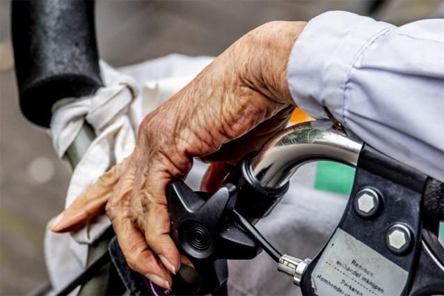 89-jarige man krijgt celstraf met uitstel voor aanranding medebewoonsters rusthuis