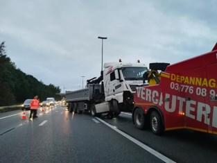 Opnieuw verkeersellende op E17 door ongeval met truck