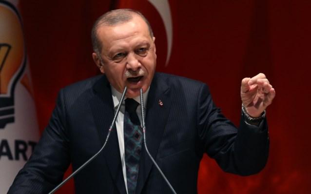 """Turkse president Erdogan dreigt met toevloed van vluchtelingen naar Europa: """"We zullen de poorten openen"""""""