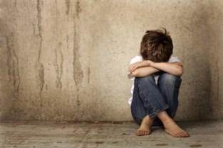 """Koppel schuldig aan mensonterende behandeling van zevenjarige (stief)zoon: """"Hij liep als een angstig hondje achter zijn vader. Hij was duidelijk bang"""""""