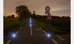 VIDEO. Wanneer het fietspad een landingsbaan wordt: provincie test nieuwe verlichting
