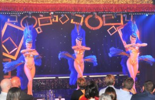 """Glitter en glamour in Hamse Cabaret: """"Mensen kunnen hier wegdromen"""""""