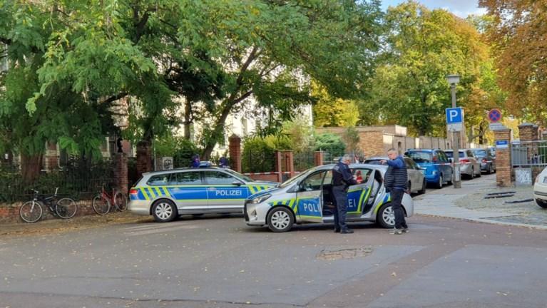 """Twee doden bij aanslag op Duitse synagoge: 27-jarige neonazi streamde alles en zei dat """"joden basis zijn van alle problemen"""""""