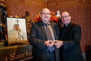 """Hoe een klein Vlaams dorp een relikwie van onschatbare waarde te pakken kreeg: """"We hadden de hoop opgegeven"""""""