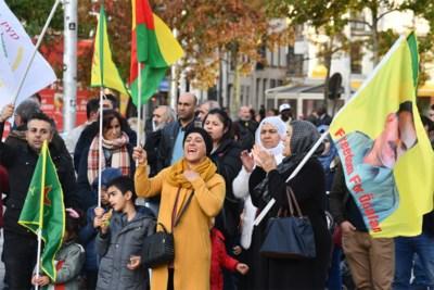 """Antwerpse Koerden veroordelen Turkse aanval in Syrië: """"Onze families worden gebombardeerd"""""""