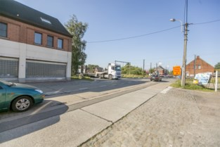 Werken aan nieuw verkeersplateau in Lostraat op til