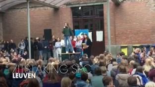 VIDEO. Leerlingen Sint-Pieterscollege Leuven houden opnieuw korte zitstaking