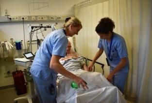 """Ziekenhuizen halen alles uit de kast om personeel te overtuigen van griepprik: """"Je bent toch niet bang van een spuitje?"""""""