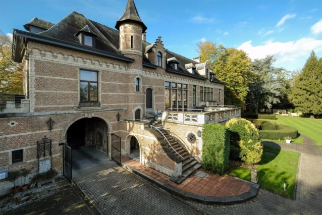 Altijd al in een kasteel willen wonen? Hier kan het voor 735 euro per maand