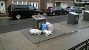 """Antwerpen legt geen nieuwe sorteerstraten aan: """"Vuile luiers, verfpotten… Ze dumpen alles in de gft-containers omdat die gratis zijn"""""""