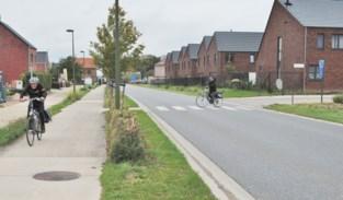 """Week na dramatisch ongeval is haag naast fietspad drastisch ingekort: """"De ingreep kon niet eerder plaatsvinden"""""""