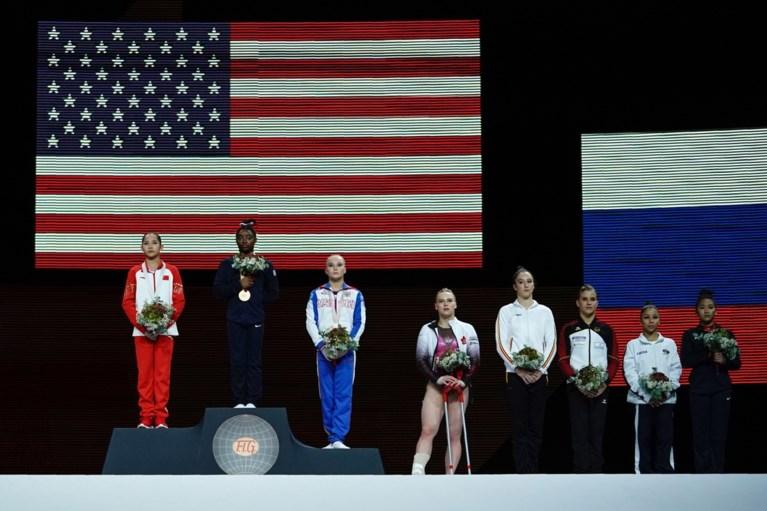 """Nina Derwael grijpt net naast medaille tijdens allround-finale op WK turnen, maar is in haar nopjes: """"Genoten van elk moment"""""""