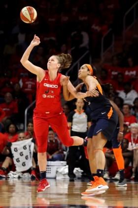 Emma Meesseman en Kim Mestdagh schrijven basketgeschiedenis: eerste WNBA-titel met Washington Mystics
