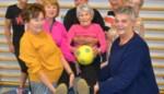 Tineke (91) is met voorsprong de oudste van de club, heeft Parkinson én staat vooraan tijdens de les