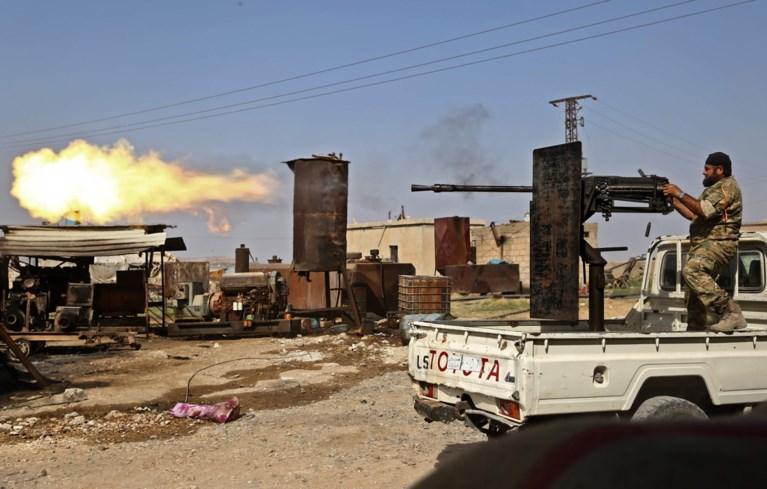 """Bijna 800 familieleden van ISIS-strijders ontsnapt uit kamp tijdens gevechten in Syrië: """"Ook Belgische vrouw weg"""""""