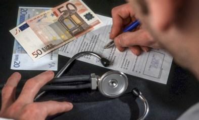 Meer en meer geneeskundestudenten verkiezen job van huisarts boven die van specialist: liever betere uren dan een rianter loon