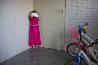 """""""Mama niet lief, mama beentje pijn"""": moeder veroordeeld na beenbreuk van driejarige dochter"""
