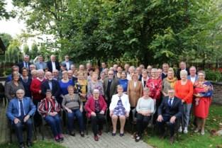75 jarigen vieren feest in het Biezemhof