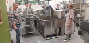 Kookteam WZC Trappeniers neemt nieuwe keuken in gebruik