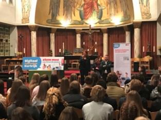 Schepenen gaan digitaal referendum uitleggen bij jongeren
