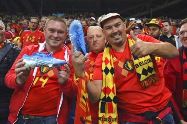 """Eden Hazard schenkt schoenen aan fans Duivels: """"De linker van Eden krijgt een ereplaats bij mij thuis"""""""