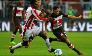 Turkse voetballer niet meer welkom bij Duitse club nadat hij steun voor oorlog in Syrië uitspreekt