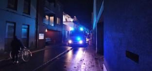 Bouwvallig huis staat op instorten: brandweer sluit preventief straat af
