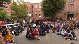 VIDEO. Leerlingen van Sint-Pieterscollege zitten samen met Raad van bestuur