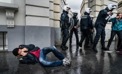 """""""In garage gezet en uitlaatgassen in gezicht gespoten"""": nieuwe klachten over politiegeweld tegen klimaatbetogers"""