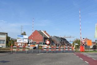 Overweg Rozenberg-Ginderbuiten langer afgesloten