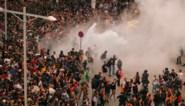 Politie gebruikt traangas en rubberkogels tegen woedende Catalanen: al meer dan 50 gewonden