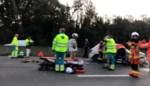 Vrouwelijke bestuurder even in levensgevaar nadat ze controle over haar stuur verloren was en crasht