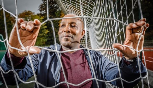 """Ex-jeugdcoach van Lukaku verlaat België en trekt naar Amerika: """"Zwarte trainers zijn nog steeds taboe"""""""