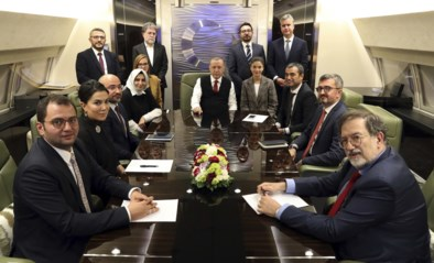 """Erdogan lacht met ambigue houding van Trump over Koerden: """"We kunnen zijn tweets niet meer volgen"""""""