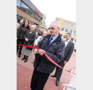 Buren openen nieuw schoolgebouw