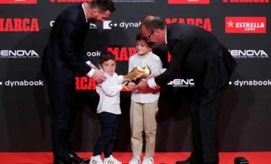 Messi neemt zesde (!) Europese Gouden Schoen in ontvangst, zoontjes stelen de show