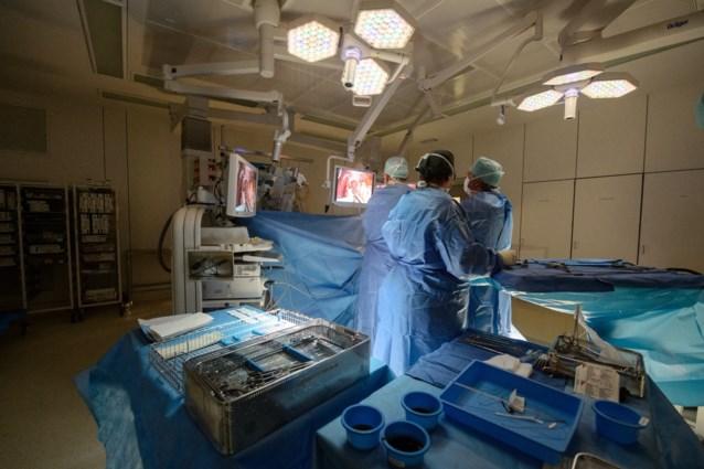Chirurg vrijgesproken voor ongekeurde implantaten