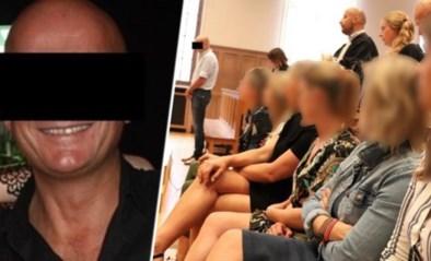 "Glurende cafébaas uit Waregem krijgt twee jaar cel: ""Wat u hebt gedaan is grof en aanstootgevend"""