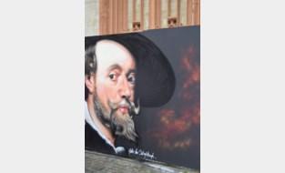 Ruim 42 liter verf en 138 meter afplaktape nodig voor kunstwerk rond Sint-Martinuskerk