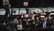 Speech van leider van Hongkong moet uitgesteld worden door protesterende parlementsleden