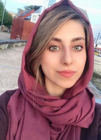 """Fatimah (24) woont hier, leerde onze taal en studeert nu architectuur: """"Ik mis mijn familie, maar in Irak zijn we niet meer welkom"""""""