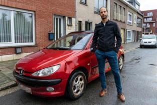 "Scheidsrechter Alexander (37) vindt wagen beschadigd terug na tumultueuze match: ""De dreigementen waren er echt over"""