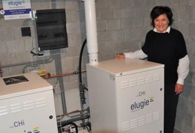Zonnepanelen waren geen optie, dus installeerde Hilde een mini-elektriciteitscentrale in haar zaak