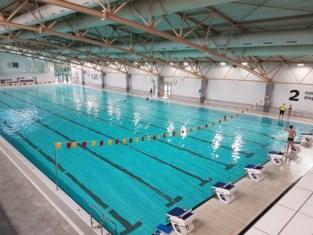 """Binnenbad Puyenbroeck na twee jaar renovatie nog niet af, maar zwemmers toch al welkom: """"We wilden hen niet langer op de proef stellen"""""""