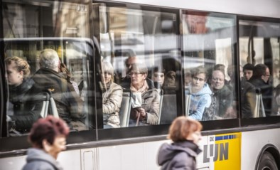 Busticketjes duurder tijdens spits? Plan tegen overvolle bussen ligt op tafel bij De Lijn