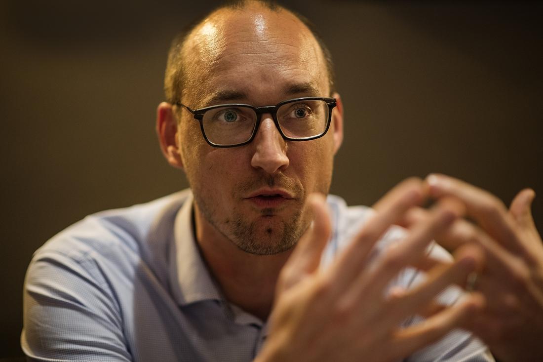 """Vincent Van Peteghem wil voorzitter worden van CD&V. """"Maar ik wil tussen de mensen blijven staan, ik blijf bur - Het Nieuwsblad"""